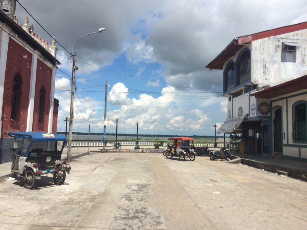 malecon-iquitos-03