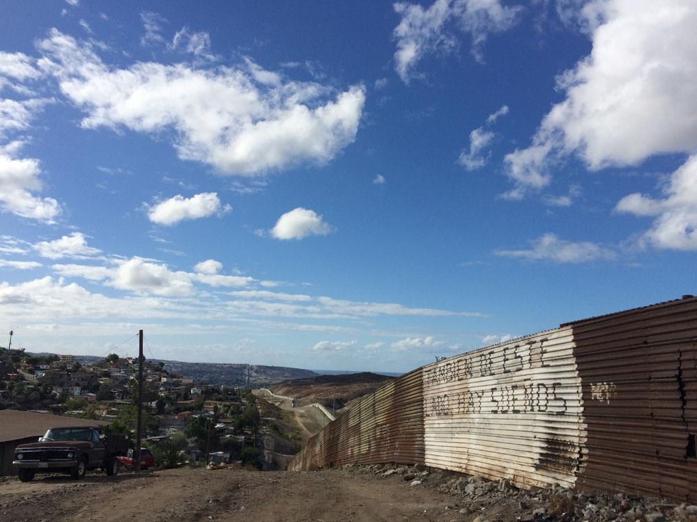 muro-tijuana-02