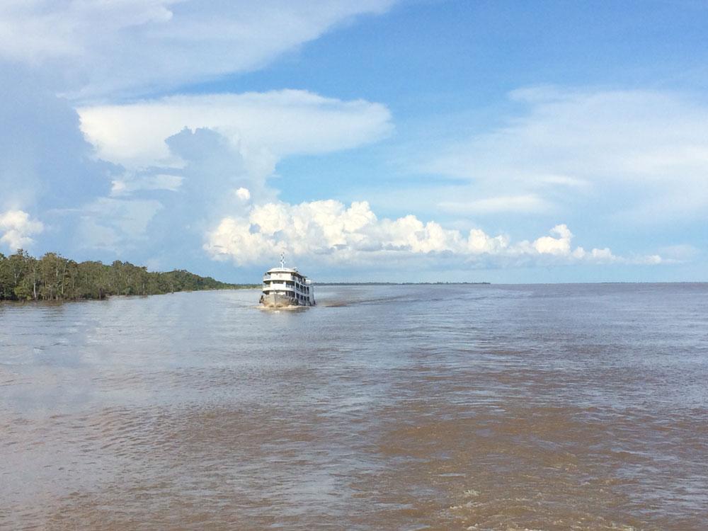 navigando-rio-amazzoni-01