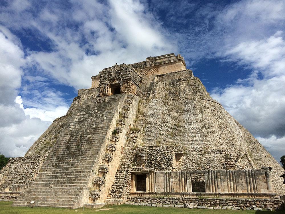 Piramide-indovino-Uxmal