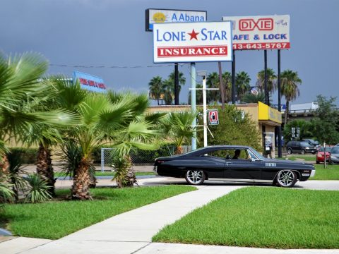 classic-car-and-palm-trees-2814781_1280