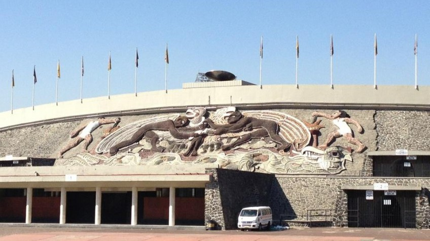 murales-estadio-universitario